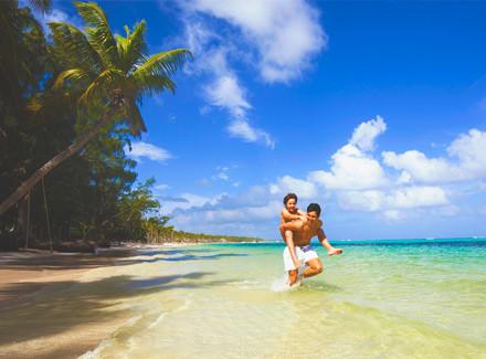 Resort All-Inclusive à beira da Praia do Bávaro, em Punta Cana   All-Inclusive   Viajar a Dois, Viajar com Crianças, Praia, Lua de Mel, Termas e Spa, Diversão, Resort, Internacional, Semana do Cliente